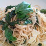 Spaghetti in Basilikumbutter