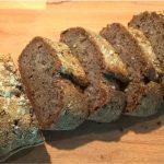 Eiweiß-Baguette aufgeschnitten