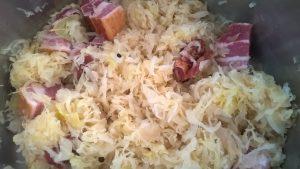 Sauerkraut mit Wammerl kochen