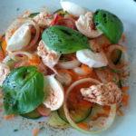 Gemischter Salat mit Mozzarella